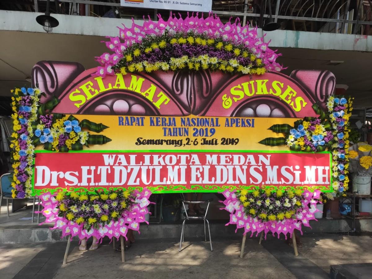 Toko Karangan Bunga Ucapan Selamat Sukses Di Kalisari Semarang